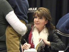 Sarah signs book at Columbia SC book signing