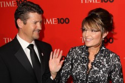 Closeup of Todd and Sarah at Time 100 gala - Sarah waving