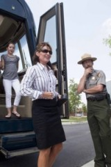 Sarah and Piper get off the bus at the National Archives