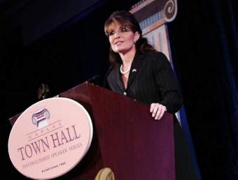 Sarah at Townhall series in Naples Fl