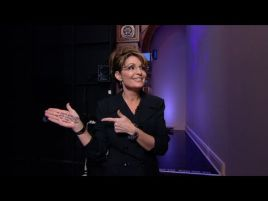 Sarah Displaying Palm Notes on Tonight Show