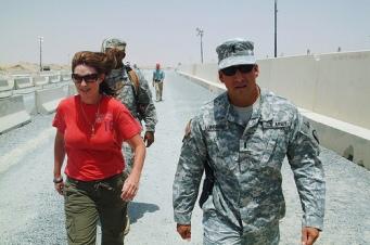 Sarah Palin in Kuwait with National Guard