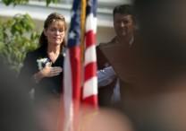 Sarah-Palin-Saluting-American-Flag