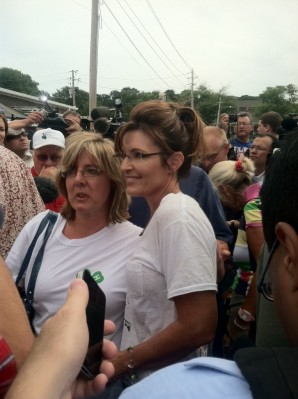 Sarah poses with woman at Iowa State Fair