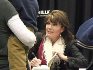 Sarah signs book at Columbia SC book signing