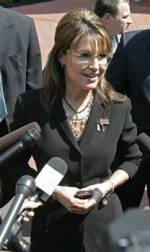 Sarah talks to press in TN outside courtroom