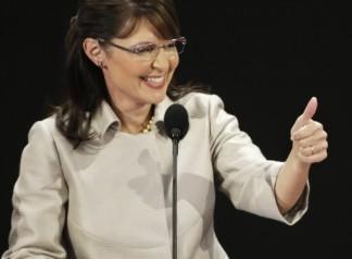 Sarah thumbs up at RNC