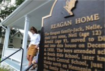 Sarah walking down steps at Reagan boyhood home