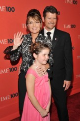 Todd Sarah and Piper pose at Times 100 gala 2010 - Sarah waving