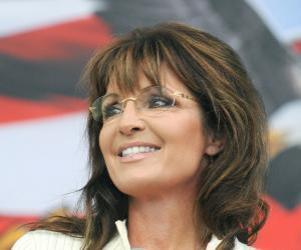 Closeup of Sarah at Iowa Tea Party speech