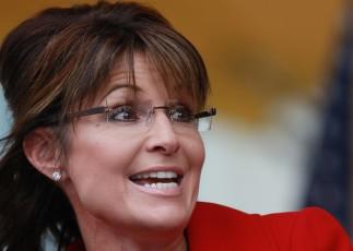 Closeup of Sarah with smile at Tea Party rally NH