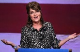 Sarah gestures during speech in Orlando - 11-03-11