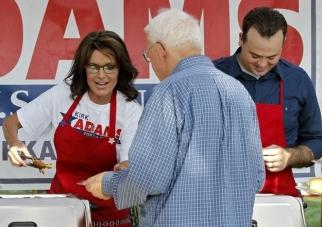Sarah Palin serving BBQ at Kirk Adams rally 08-27-12