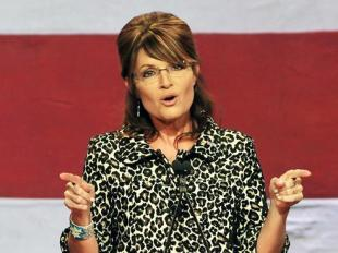 Sarah points during Florida GOP speech