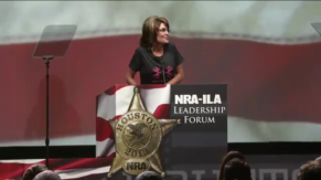 Sarah turns head to side during 2013 NRA speech